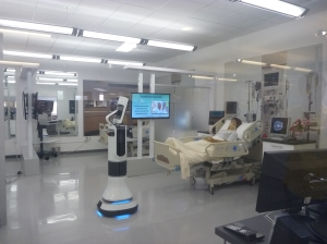 社内に設けられた研修室は、病室そっくりに作られている