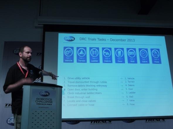 8つのタスクを説明する DARPAのギル・プラット氏