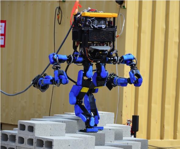 DRCでスイスイ瓦礫を歩いたシャフトのS-Oneロボット