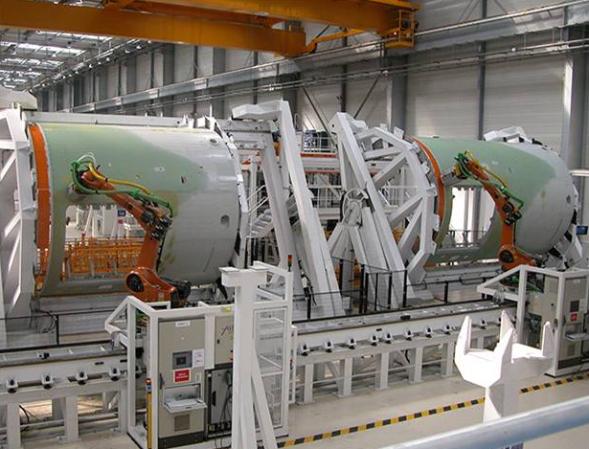 航空機製造現場でのアレマ・オートメーション社の製品(http://www.alemaauto.fr/より)