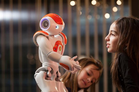 ロボットが、人々のプライバシーを漏らさないようにするには、どうすればいいのか。(http://www.aldebaran-robotics.com/より)