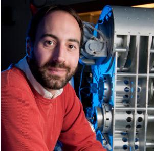 ロボットのサイバー・ローを研究するワシントン大学のライアン・カロ教授