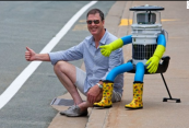 Robot - hitchbot.4