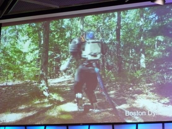 こんなロボットに山奥でばったり出会ったら……