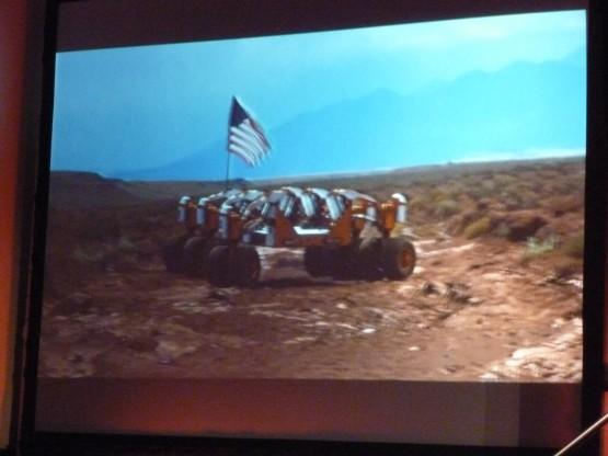 NASA JSC で開発中の16輪ヴィークル