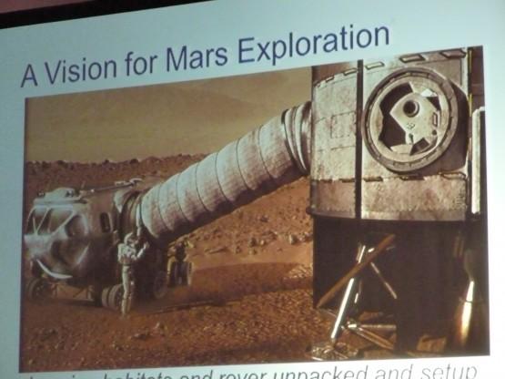 ロボットは火星に先に降り立って、人間到着の準備をする